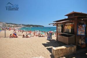 Vacances sur une des plages de la Costa Brava